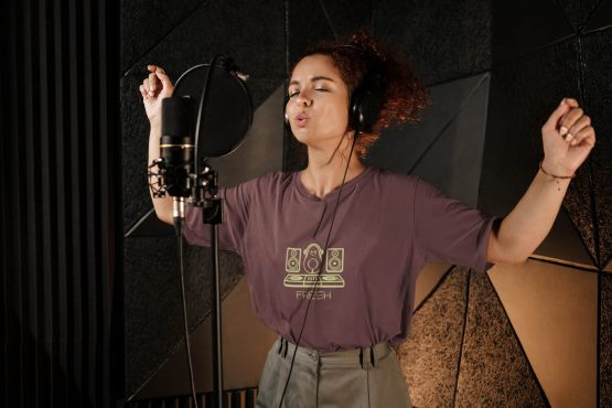 kept-fresh-t-shirt-worn-by-a-female-singer-wearing-an-oversize-tee-during-a-recording-session-