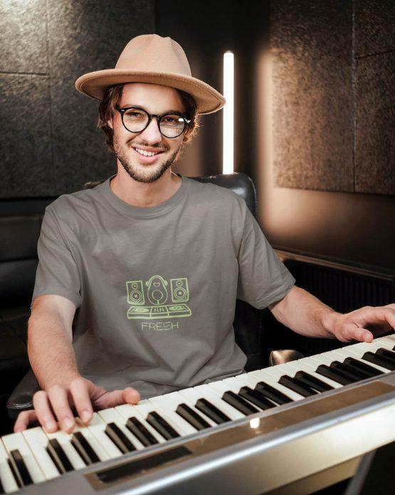 kept-fresh-t-shirt-worn-by-a-keyboardist-in-a-studio