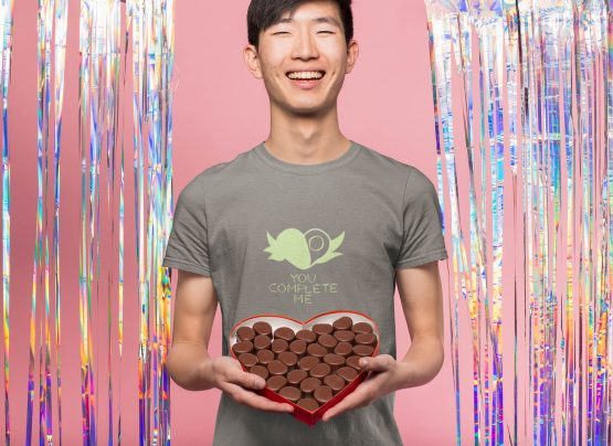 you-complete-me-t-shirt-worn-by-a-happy-man-holding-a-box-of-chocolates