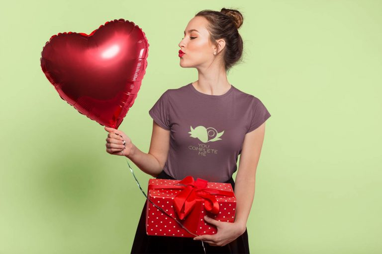 you-complete-me-t-shirt-worn-by-a-pretty-lady-wearing-a-t-shirt-holding-a-heart-balloon-